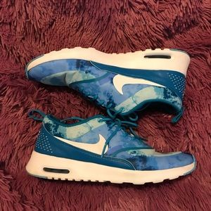 Womens Nike shoes size 9